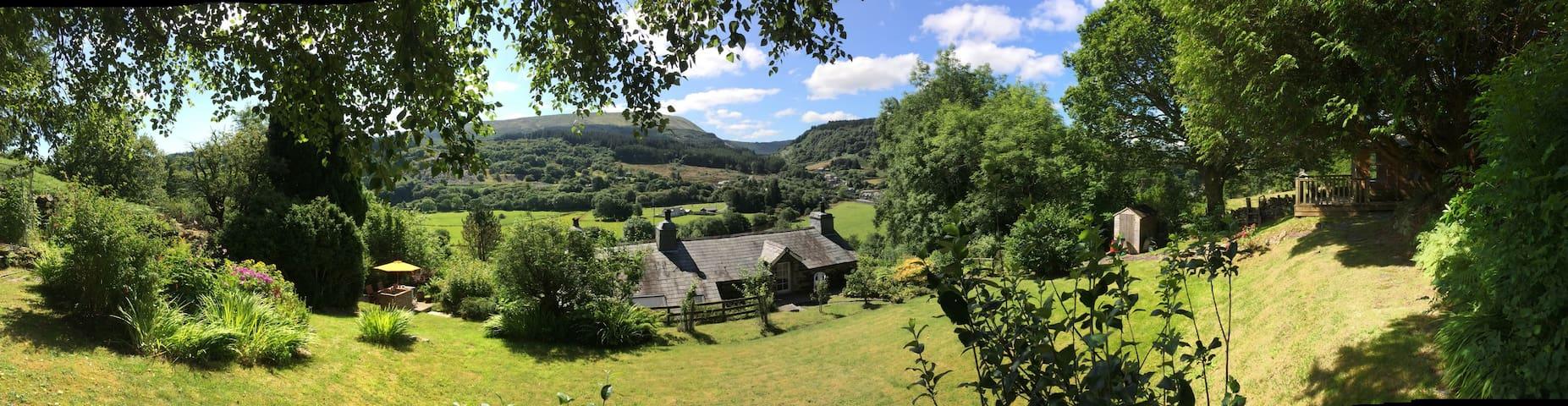 Bryn Teg cottage in Snowdonia - Dolwyddelan - Hus