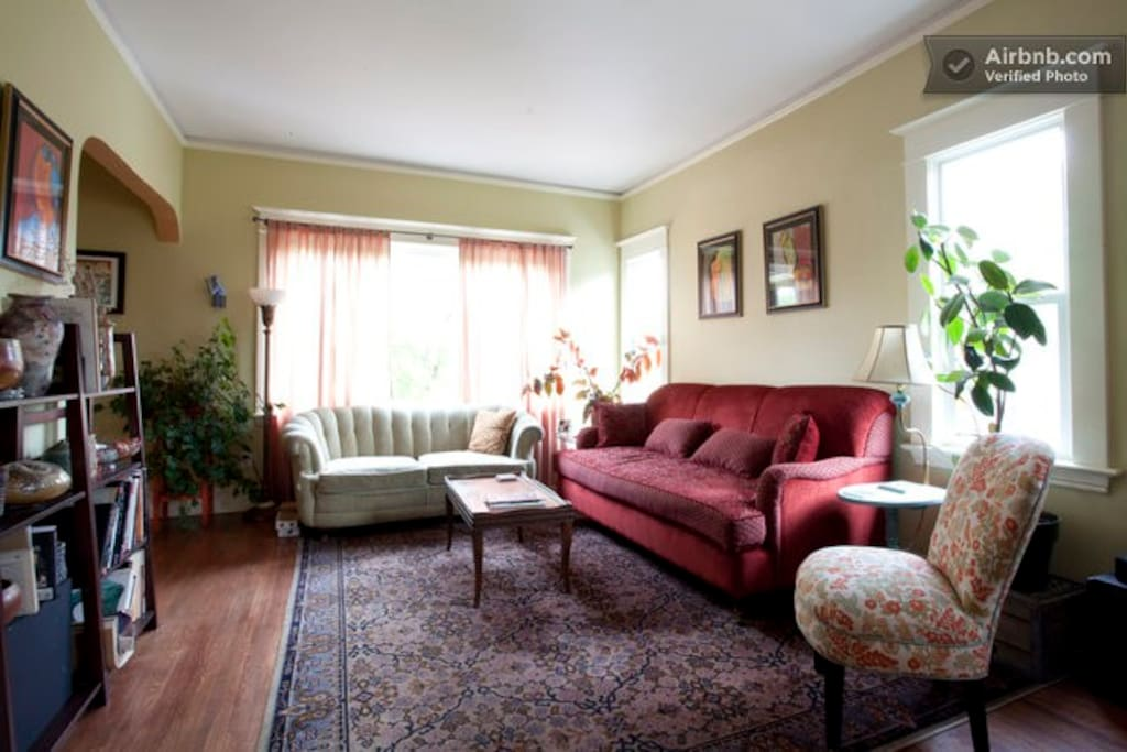 Lovely Art Filled Close-in Bungalow