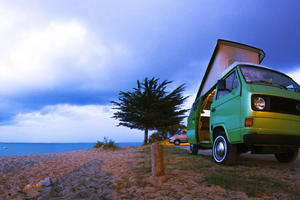 combi vw van ol ron vue sur mer cote atlantique camping. Black Bedroom Furniture Sets. Home Design Ideas
