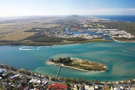 Spacious 3BR home fabulous location - Maroochydore - Wohnung