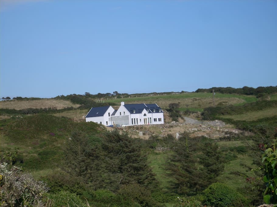 Private setting 2 miles from Schull village + 5 min walk to Schull Pier