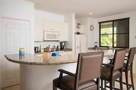 Luxury Pacifico 2 Bed Condo L-106