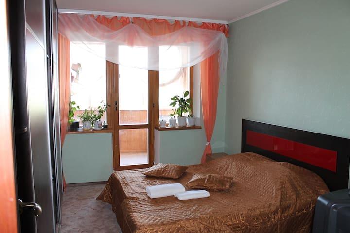 Уютное местечко в самом центре - Магнитогорск - อพาร์ทเมนท์