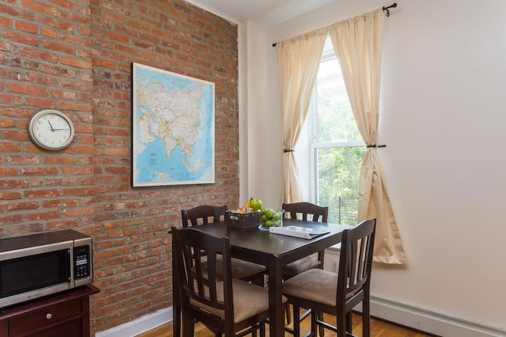Spacious Prospect Heights Apartment