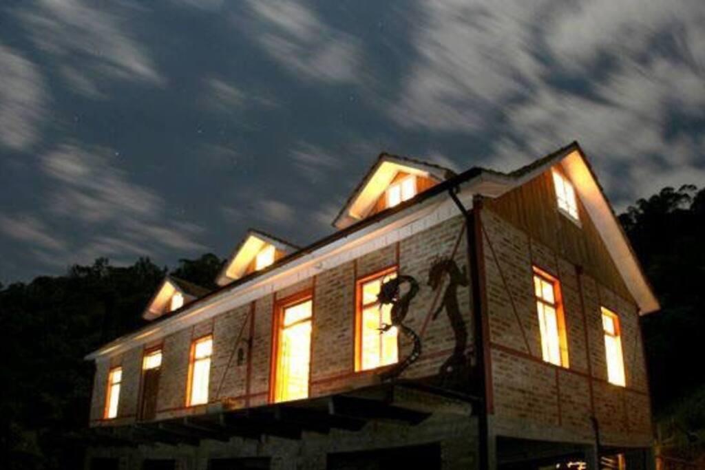 A Casa Enxaimel