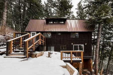 Escape the pandemic to this Mountain Retreat