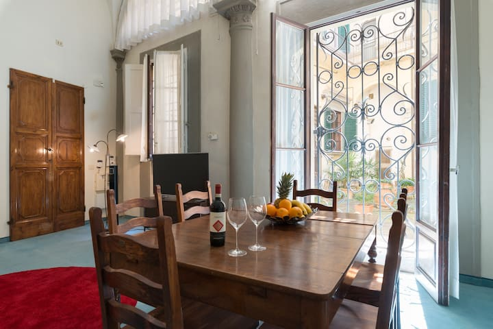 CHARMING LOFT IN HISTORICAL PALACE WING - Firenze - Loft