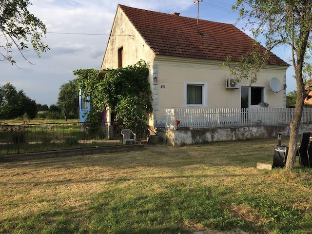 Chambre 2 personnes - Branimirovac - Talo