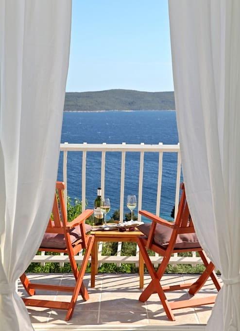 Balcony MIRNA