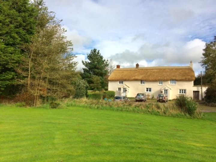 Double room in thatched farmhouse with breakfast.