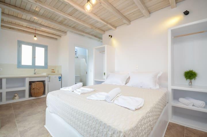 Niki of Naxos - Studio Ouranos - Sea/Mountain View