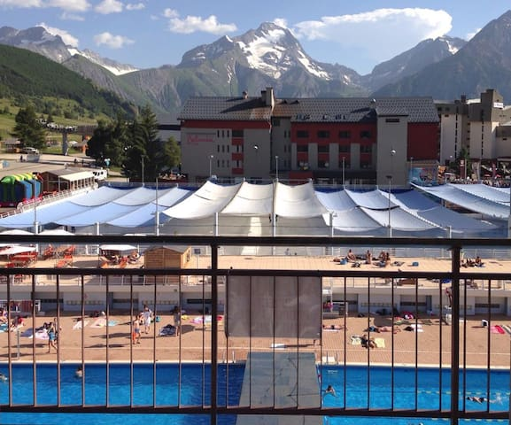 Central studio swimming pool view - Mont-de-Lans