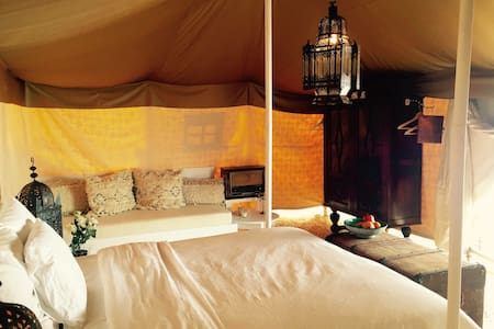 Nice and cosy room in desert tent in Jumeirah 1 - Dubai