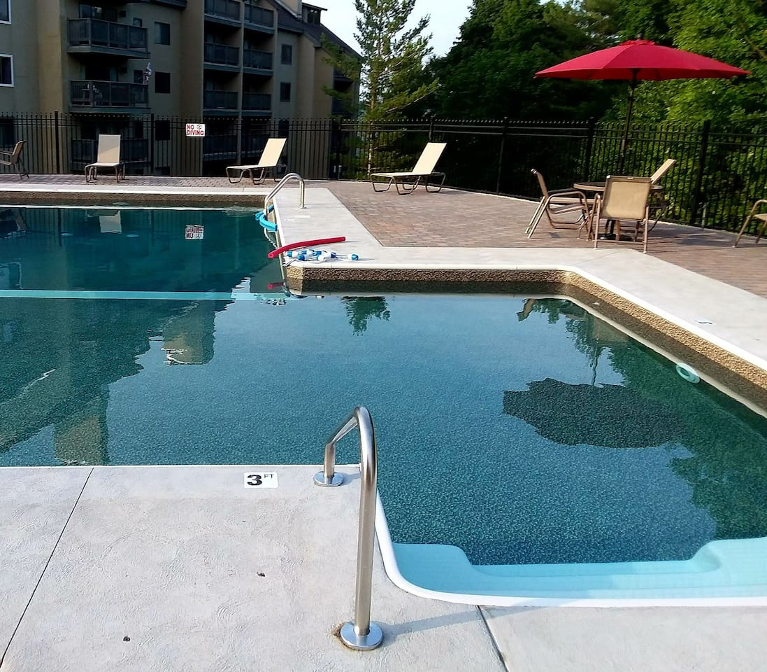 New 2018 outdoor heated pool.  Also an indoor Health Club with heated pool, two Jacuzzi sauna, steam room etc. available during the ski season.