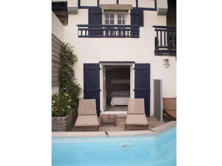Appartement Cosy, bord piscine belle vue
