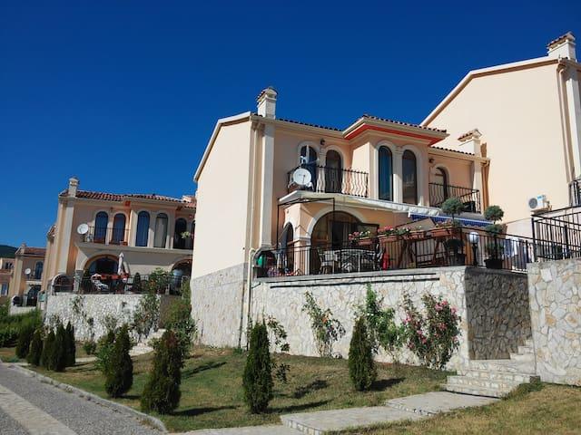 Sandapart Villa Romana Semi-Detached House - Elenite - Reihenhaus