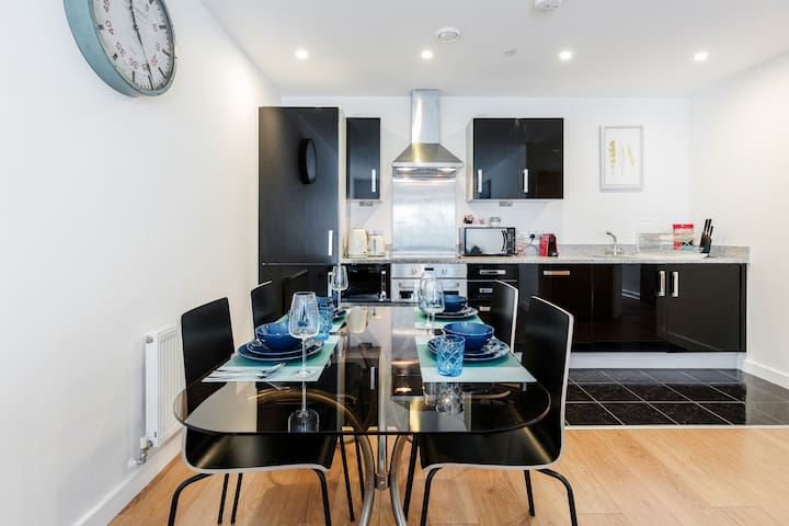 Luxury 2 Bed by O2 Suitable for 6 people