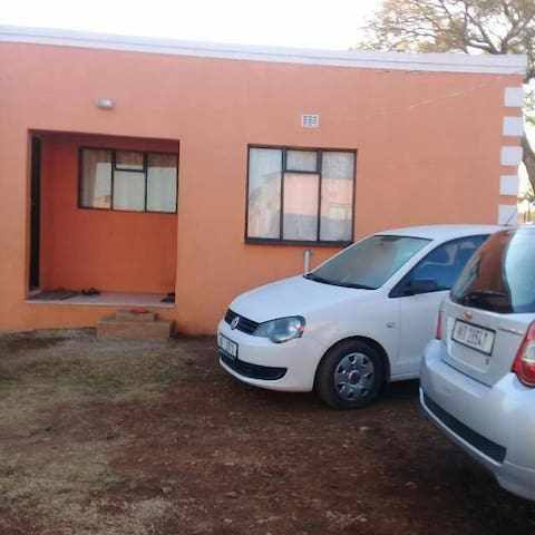 Experience Zulu rural area setting, affordably