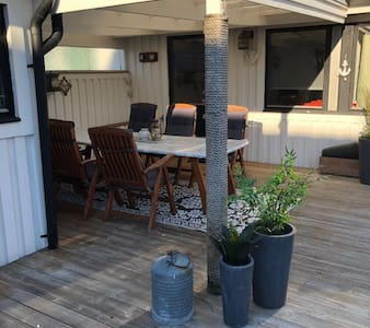 Childfriendly house close to sea and city center