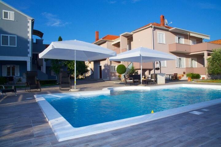 Brand new apartment with a pool! - Biograd na Moru - Talo