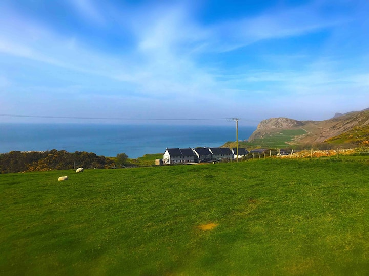Seaview Terrace -3 Bed House - sleeps 6-Nefyn area