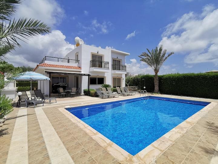 Luxury 3 Bedroom Villa Nayia