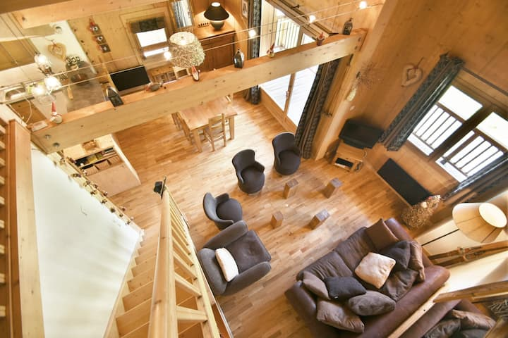 Lovely 3 bed 3 bath duplex apt for 7 just opposite the pistes!