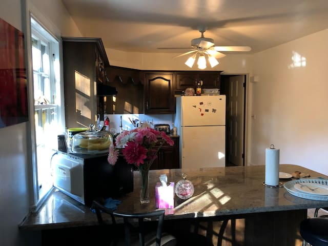 Kitchen side 3