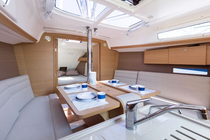 barca a vela isole Eolie Portorosa - Vulcano Porto