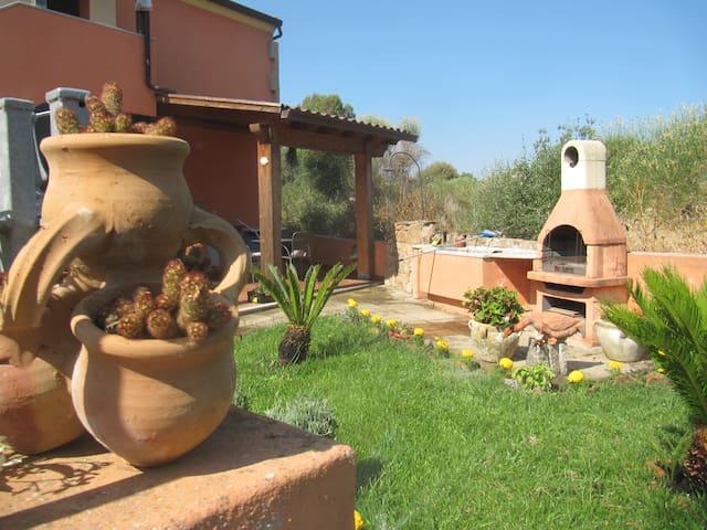 Quiet house in North West Sardinia - Viddalba