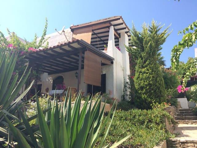BODRUM TR petite maison bord de mer - Bitez Belediyesi - Huis