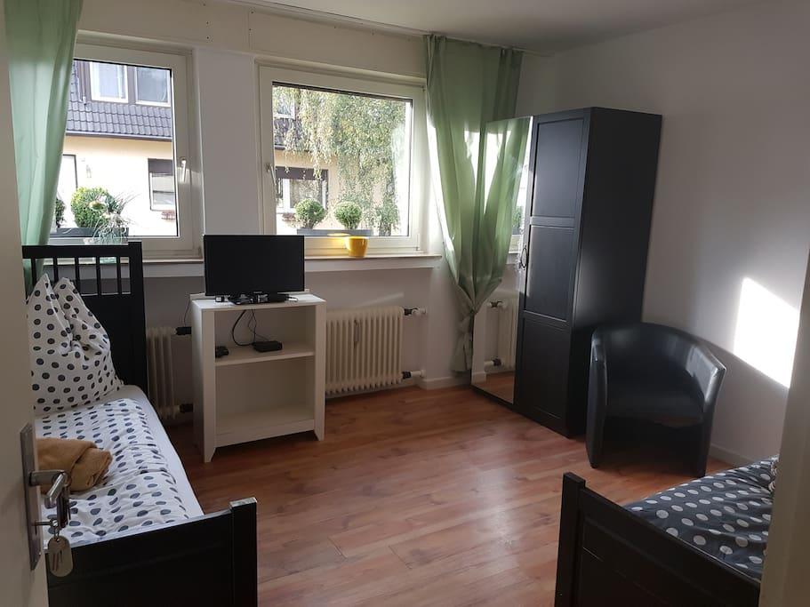grosse wohnung im norden von d sseldorf wohnungen zur. Black Bedroom Furniture Sets. Home Design Ideas