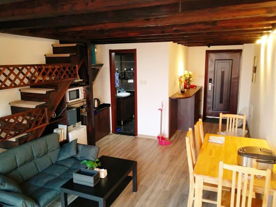 温馨客厅,一应俱全