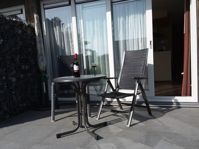 2-kamer app. nabij strand met eigen terras