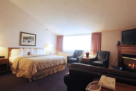 Fireside Inn and Suites, Waterville - Waterville