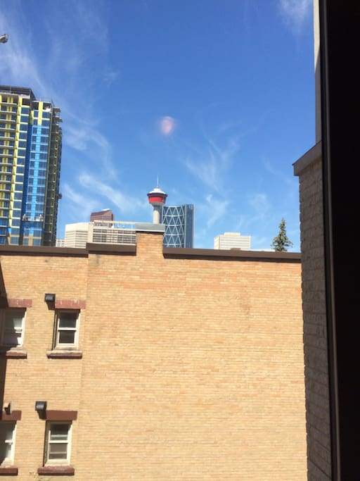 Downtown Calgary - Blocks from Stampede Park