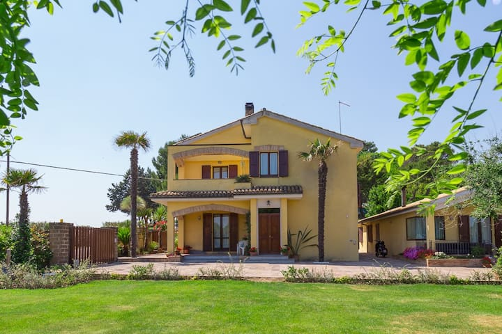 Bed and Breakfast Isa -Tramonto - Loreto - Bed & Breakfast