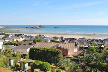 Panoramic sea views  - Saint Helier - Rumah