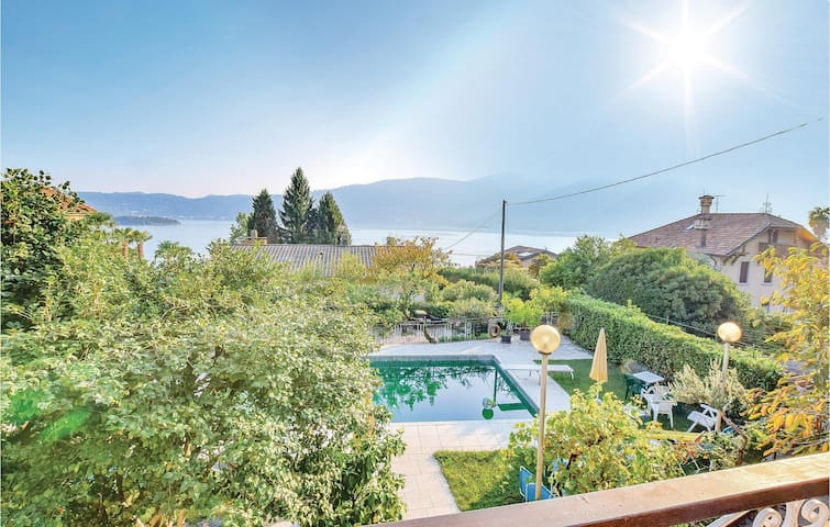 Holiday apartment with 2 bedrooms on 110m² in Verbania (VB)