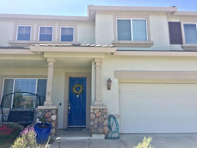 Charming home with pool and spa - West Sacramento - Rumah