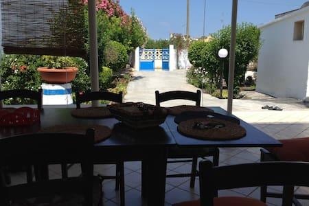 villa 6 posti in salento 250 m mare - Frigole