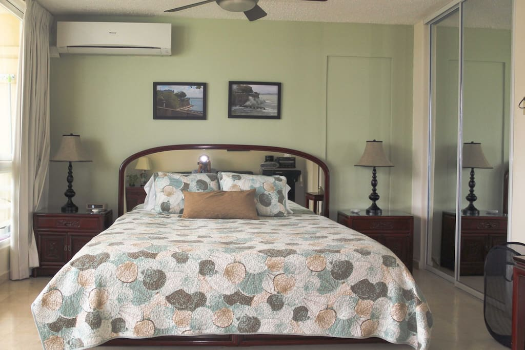 King size bed with Select Comfort sleep number mattress.
