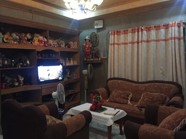 3 bedroom bungalow with big kitchen -Manaoag, Pang