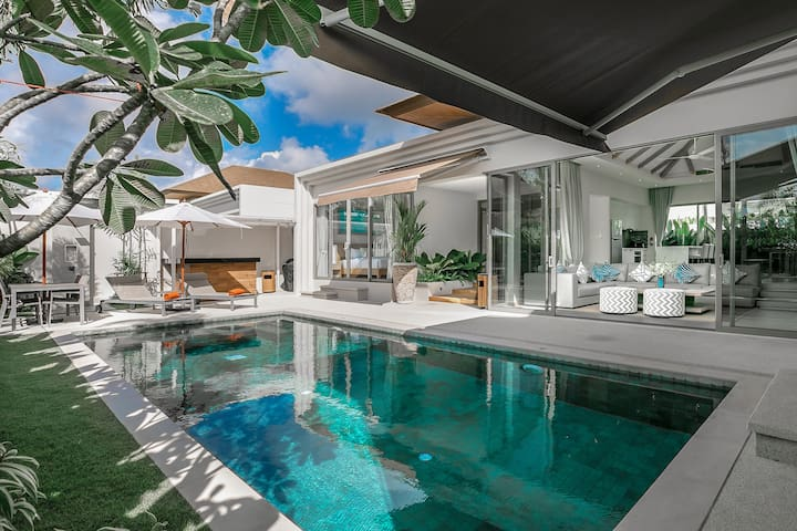 Modern 3-Bedroom Villa with Private Pool and BBQ