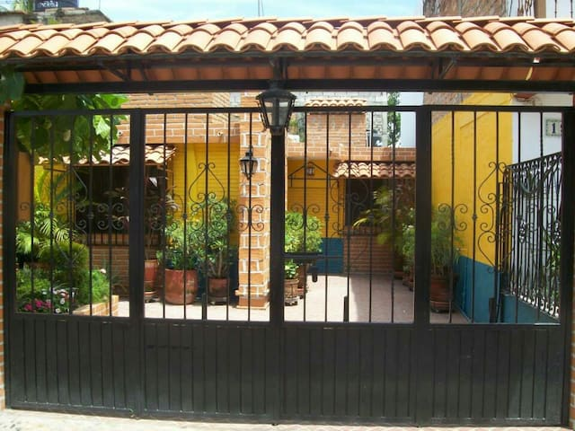 Charming old spanish style 3BD home