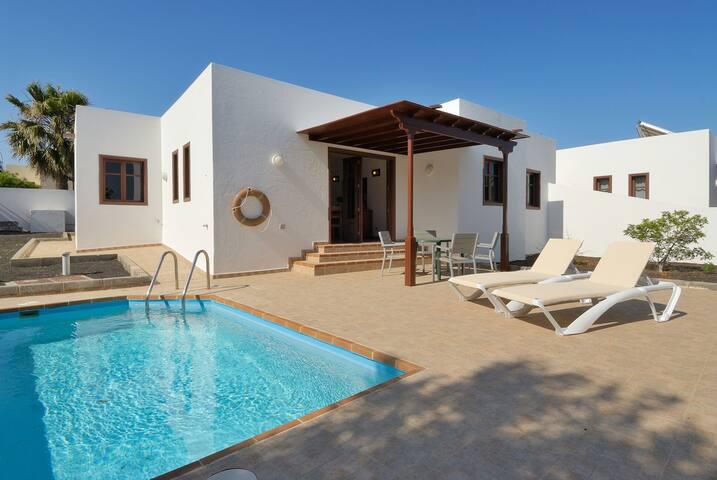 Villas los Claveles piscina privada
