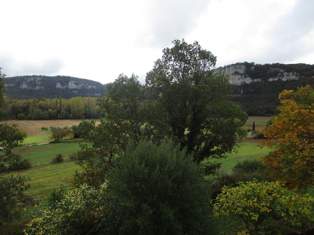 Chambre avec vue, Brengues, Vallée du Célé