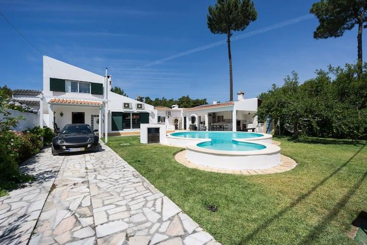 AroeiraMIR Villa w/ private pool + beach 38274/AL