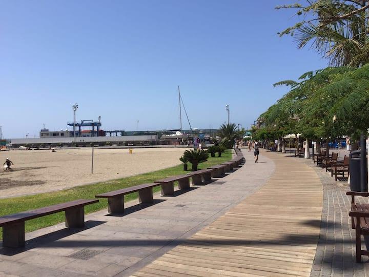 Wi-Fi Apartment Los Cristianos 1 min to the beach