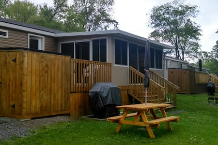 Cherry Beach Cottage- Sandbanks - Cherry Valley - Kabin